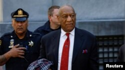 Bill Cosby akitoka mahakamani Aprili 2018 baada ya kukutwa na hatia