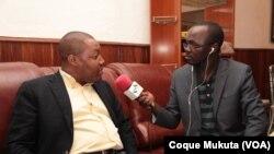 Luther Rascova, Líder da JMPLA, e Coque Mukuta (VOA)
