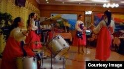 방글라데시의 북한 식당 '평양관' 페이스북 페이지에 게재된 사진.