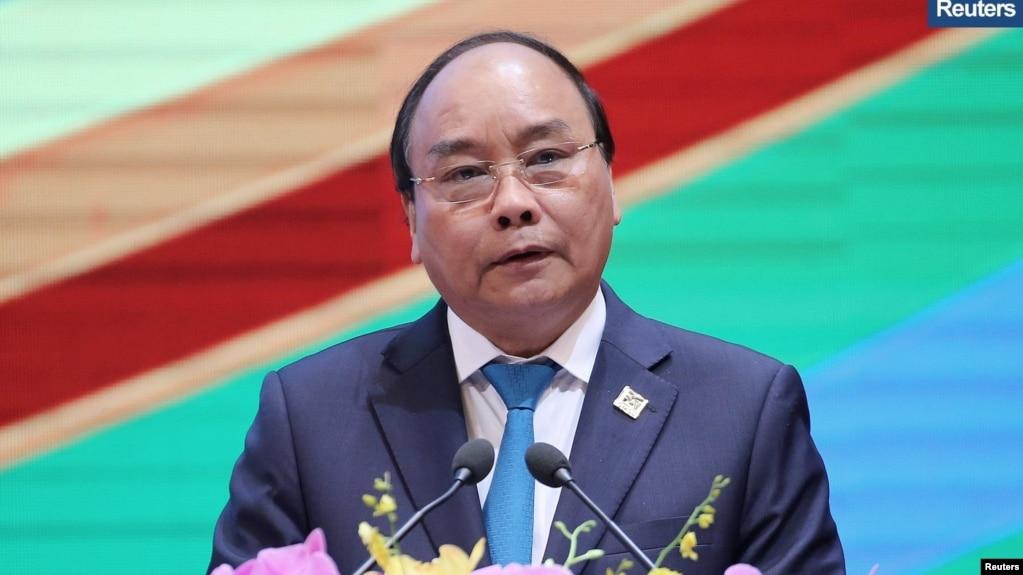 Thủ tướng Nguyễn Xuân Phúc, tại một cuộc họp Chính phủ hôm 4/9, nói rằng Việt Nam đã đấu tranh bằng mọi biện pháp để chống lại các hoạt động vi phạm chủ quyền trên Biển Đông.