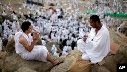 سالانه ۶۰۰ هزار ایرانی برای ادای مناسک حج به عربستان سعودی می رود