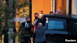 美国白宫国家安全顾问沙利文在瑞士苏黎世离开了与中共中央外事办主任杨洁篪举行会谈的凯悦酒店 。(2021年10月6日)