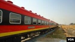 Comboio entre Lubango e Monongue anunciado para Abril