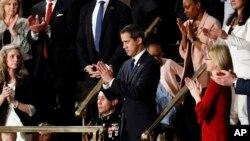 """""""Con nosotros esta noche está el presidente legítimo de Venezuela"""", dijo Trump ante el pleno de la Cámara de Representantes."""