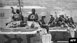 Последняя колонна советских войск покидает территорию Афганистана
