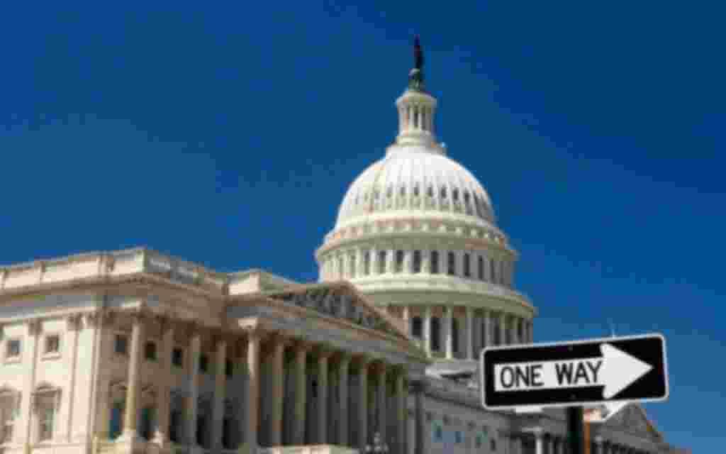 En Washington, la tarjeta recargable del metro cuesta cinco dólares,una vez se compra, toca depositarle dinero.