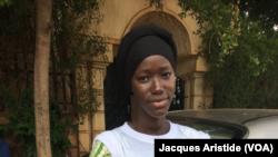 Manara Kamara, une jeune femme de 18 ans à Bamako, Mali, 28 juillet 2018. (VOA Afrique/Jacques Aristide)