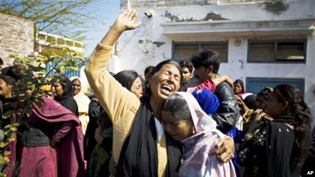 Female Pakistani Christians mourn the death of Shahbaz Bhatti, during a rally in his native town Khushpur near Faisalabad, Pakistan, March 4, 2011
