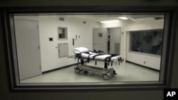Камера для здійснення смертельної ін'єкції у виправній установі в Атморі, Алабама, 7 жовтня 2002 року