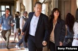 صحنهای از فیلم «دوزخ» با شرکت تام هنکس و فیلیسیتی جونز