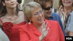 La ex presidenta de Chile, Michelle Bachelet lidera las encuestas en las preferencias para ocupar la presidencia de su país nuevamente.