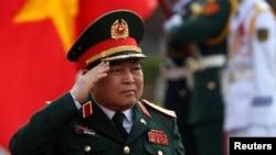 Bộ Trưởng Quốc phòng Việt Nam Ngô Xuân Lịch.