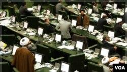 Los disputados de la oposición de Bolivia se oponen a la visita de diputados iraníes.