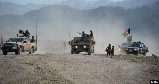 افغان سیکیورٹی فورسز طالبان کی پیش قدمی روکنے کے لیے ملک کے کئی حصوں میں آپریشن جاری رکھے ہوئے ہیں۔