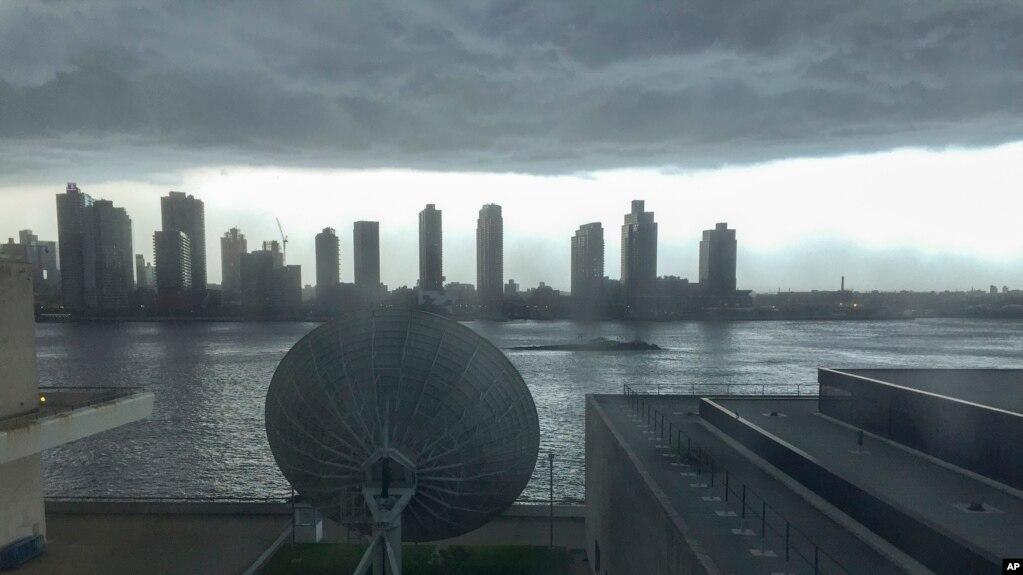 Storms Slam US Northeast