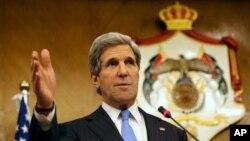 Ngoại trưởng Mỹ John Kerry phát biểu trong một cuộc họp báo tại Amman, ngày 22/5/2013.