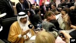 Khalid Al-Falih, Menteri Energi, Industri dan Sumber Daya Mineral Arab Saudi berbicara sebelum dimulainya pertemuan OPEC di kantor pusat mereka di Wina, Austria, Senin, 1 Juli 2019. (Foto: AP)