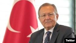 Partisinden ve görevinden istifa eden Balıkesir'in AKP'li belediye başkanı Ahmet Edip Uğur