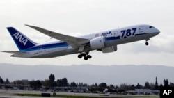 «Боинге-787» «Дримлайнер» японской авиакомпании ANA