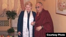 立陶宛女总统格里包斯凯特9月11日与达赖喇嘛举行了私下会晤(照片来源:西藏之声)