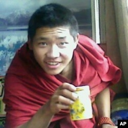 Phuntsok set himself ablaze on March 16, 2011, exactly 3 years after bloody crackdown on Tibetans of Ngaba on March 16, 2008. He succumbed to his injuries at 3AM (Beijing time) on March 17, 2011