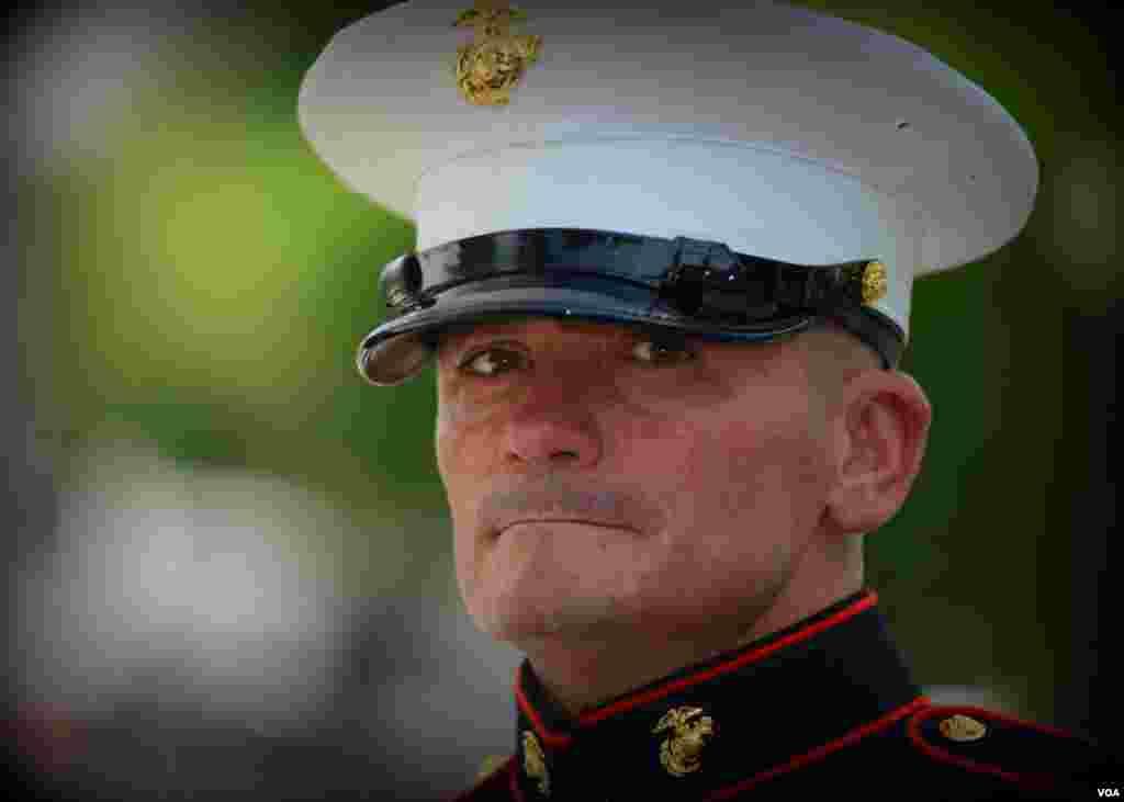 Сержант Тим Чамберс. С 2002-го он каждый год приветствует парад байкеров и давно стал в каком-то смысле одним из символов этого парада