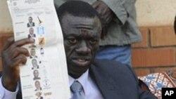 Kizza Besigye contestando os resultados das eleições