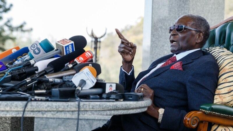L'ancien ambassadeur ivoirien Amara Essi rend hommage à Robert Mugabe