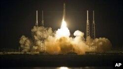 Hỏa tiễn Falcon 9 rời bệ phóng tại mũi Canaveral, ở Florida hôm 22/5/12