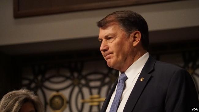 美國參議院軍委會成員朗茲(Senator Rounds)(美國之音黎堡2020年3月5日攝)