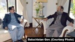 بلوچستان کے وزیر اعلی جام کمال اور چیئرمین سینیٹ محمد صادق سنجرانی کے درمیان کوئٹہ میں ملاقات۔ 25 نومبر 2018