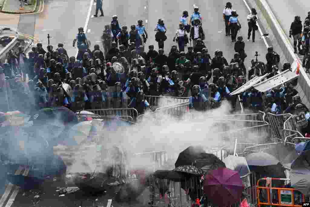 2019年6月12日,數萬抗議民眾包圍香港立法會,香港警方與抗議者發生衝突。