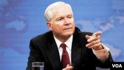Menhan AS Robert Gates mengakui bahwa Amerika melakukan kontak-kontak dengan kelompok Taliban di Afghanistan.