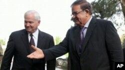해임된 압둘 라힘 와르다크(우측) 아프간 국방장관(자료사진)
