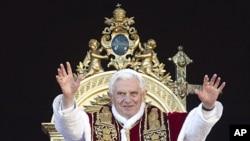 羅馬天主教宗本篤十六世12月25日在梵蒂岡聖伯多祿廣場發表演講