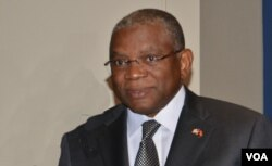 Angola Ministro das relações exteriores Georges Chikoti