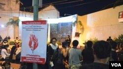 Aksi solidaritas bagi korban kekerasan seksual, YY, di Yogyakarta.