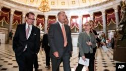 جان بینر، رئیس مجلس نمایندگان آمریکا، در راه نشست کنگره برای بررسی مسئله بودجه سال مالی آینده