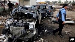 지난달16일 이라크 바그다드 시의 폭탄 테러 현장.