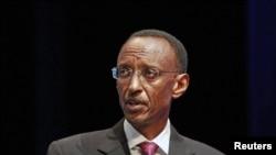 Le gouvernement de Kagamé est accusé par Amnesty International de violations des droits humains, ce que Kigali dément
