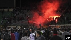 Affrontements entre supporters au stade de Port-Said.