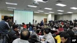 大批国际媒体守候台湾三合一选举开票结果