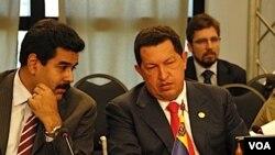 """Chávez dijo que Obama está apoyando """"el pasado sin ningún tipo de vergüenza"""" al no desconocer las elecciones hondureñas."""