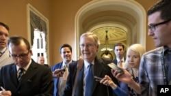 参议院少数党领袖麦康奈尔12月30日到达办公室