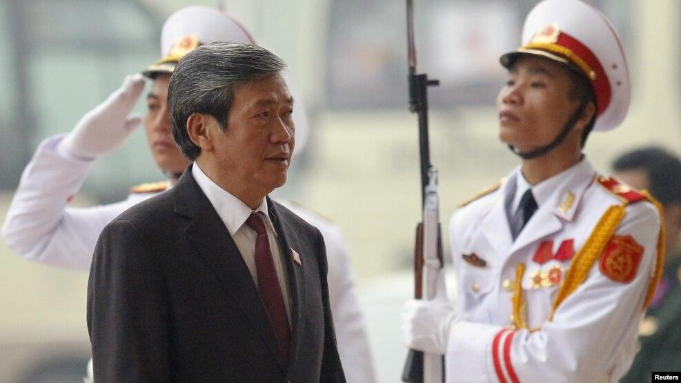 Ông Đinh Thế Huynh hiện là Ủy viên Bộ Chính trị kiêm Thường trực Ban bí thư Trung ương Đảng Cộng sản Việt Nam.