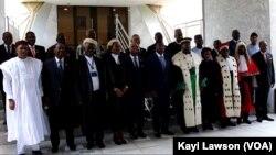 Photo de famille lors de la réunion des pays du CEDEAO à Lomé, au Togo, le 31 juillet 2018. (VOA/Kayi Lawson)