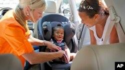 Malaysia mewajibkan penggunaan kursi mobil yang aman untuk anak mulai awal tahun 2020. (Foto: ilustrasi)