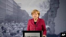 مرکل: فروریزی دیوار برلین به ما نشان داد که رویا ها می تواند به حقیقت بپیوندد