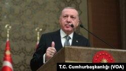 រូបឯកសារ៖ ប្រធានាធិបតីតួកគីលោក Recep Tayyip Erdogan ចូលរួមក្នុងវេទិកាមួយនៅវិមានប្រធានាធិបតីក្នុងប្រទេសតួកគី។
