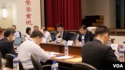 中国国民党主席江启臣6月19日主持改革委员会召开大会,提出多项改革建议,包括两岸新论述。(美国之音黄丽玲摄)